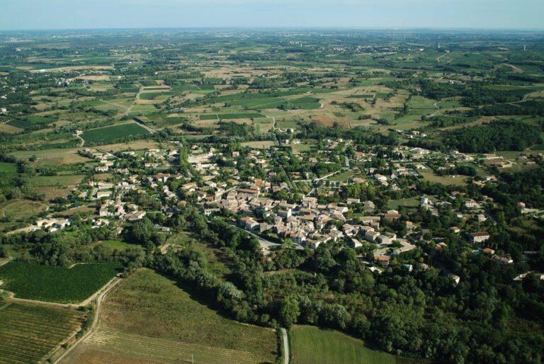 photo vue aérienne ville de Saturargues