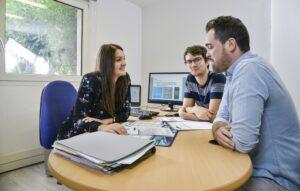 Entretien dans un bureau de Via Innova