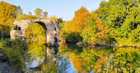 Pont Ambroix sur le site archéologique d'Ambrussum