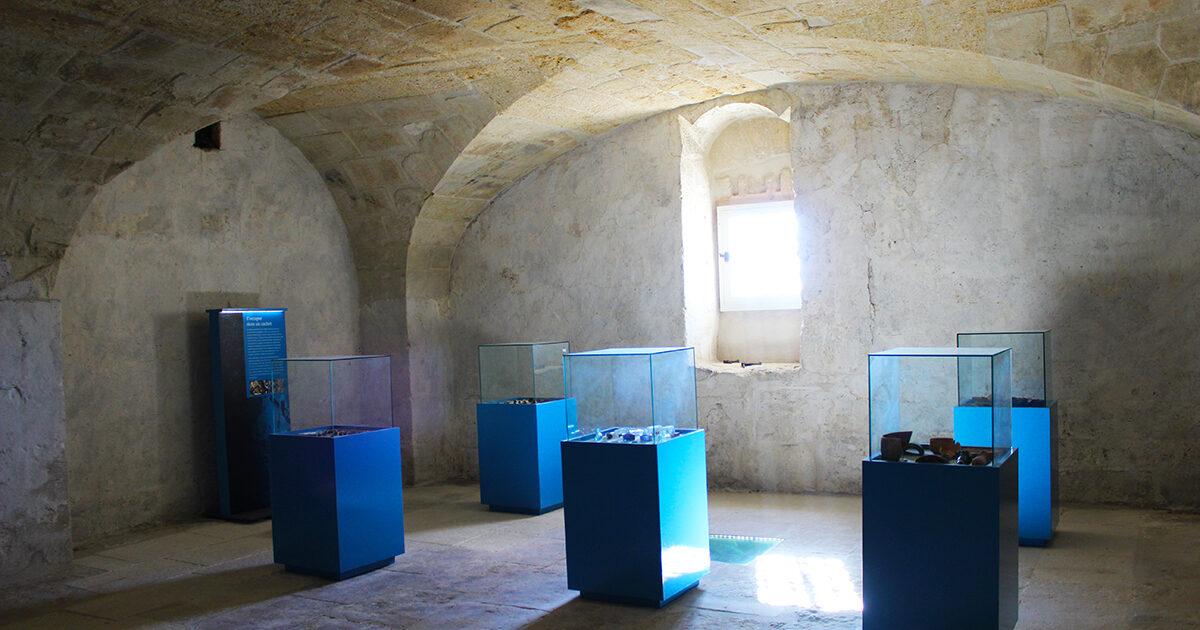 Visitez le musée de la Tour des prisons, à la lampe torche, en poussant la porte de l'Office de tourisme du Pays de Lunel